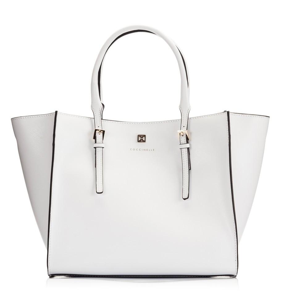 حقيبة بيضاء كبيرة
