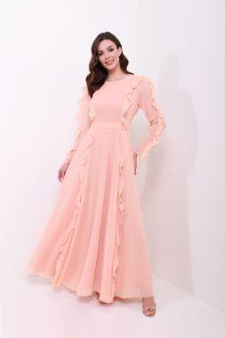 فساتين سواريه للقصيرات المحجبات - الفساتين ذات التطريز على الصدر والأكتاف وجوانب الفستان كذلك.
