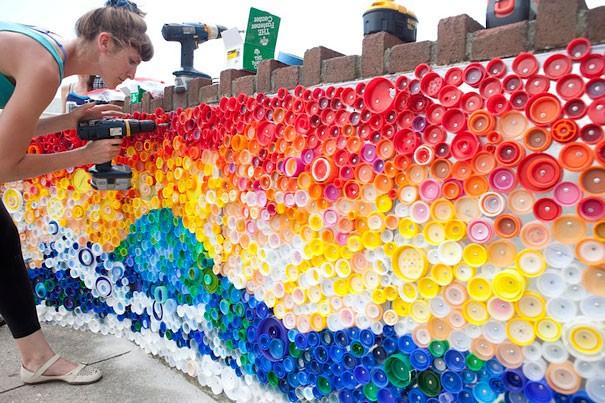 7 أفكار بسيطة لإعادة استخدام الزجاجات الفارغة-تزيين الجدران