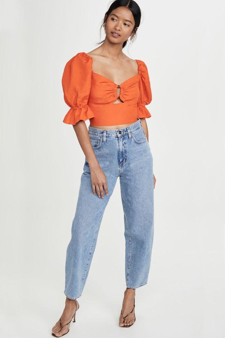 تنسيق اللون البرتقالي في الملابس-جينز