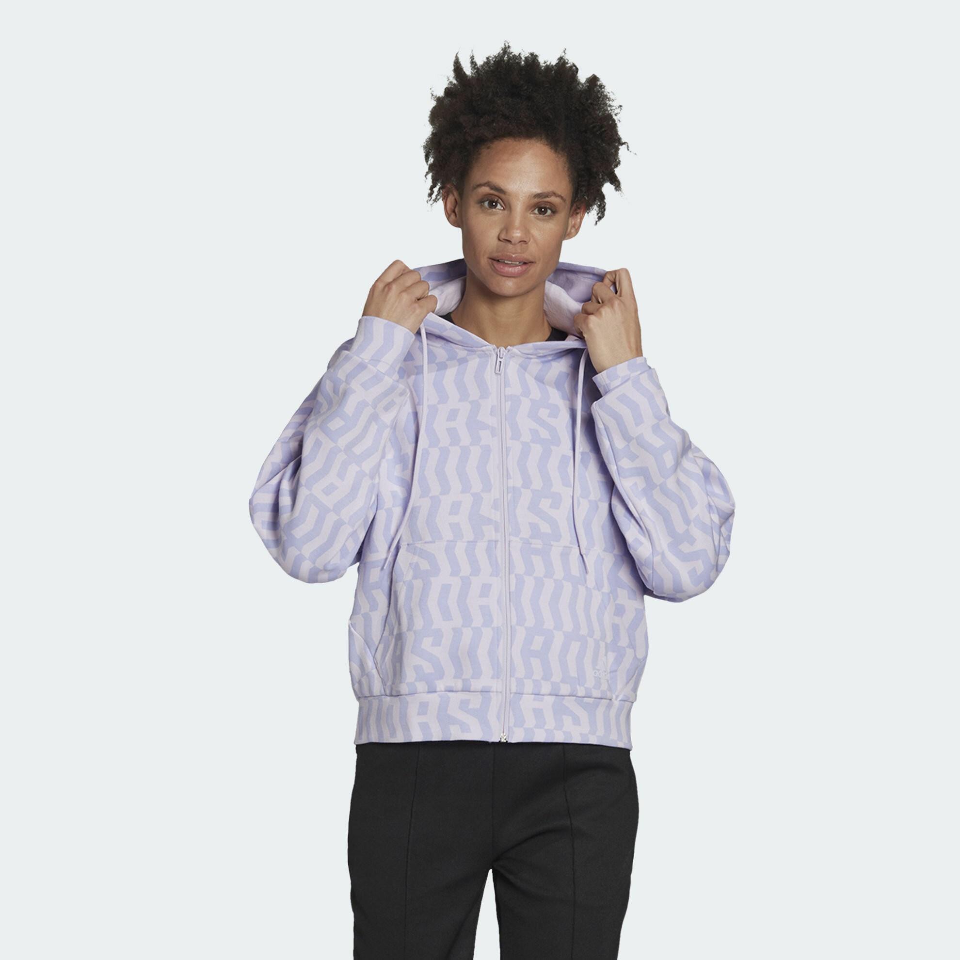 أشكال ملابس رياضية-ملابس ملونة