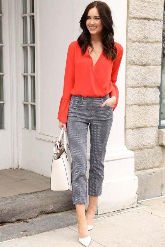 تنسيق اللون الأحمر والرمادي في الملابس-بلوزة