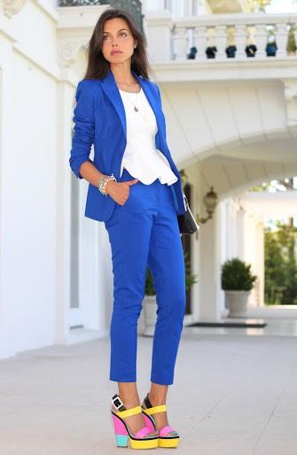 ملابس للعمل باللون الأزرق-أزرقوابيض