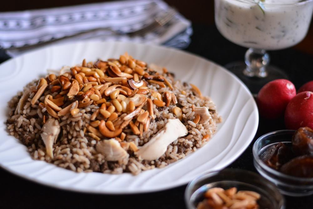 أكلات رمضانية بالصور والمقادير - طريقة عمل الأرز بالدجاج على الطريقة اللبنانية