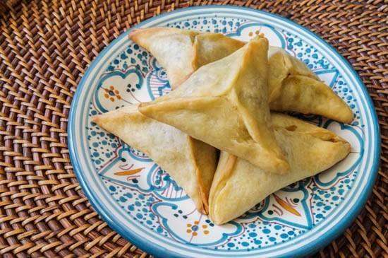أكلات رمضانية لبنانية - طريقة عمل فطائر السبانخ اللبنانية
