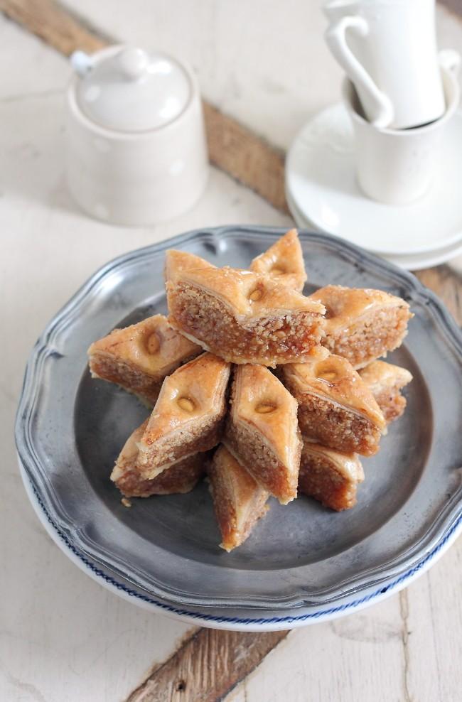 حلويات العيد الجزائرية - طريقة عمل البقلاوة الجزائرية