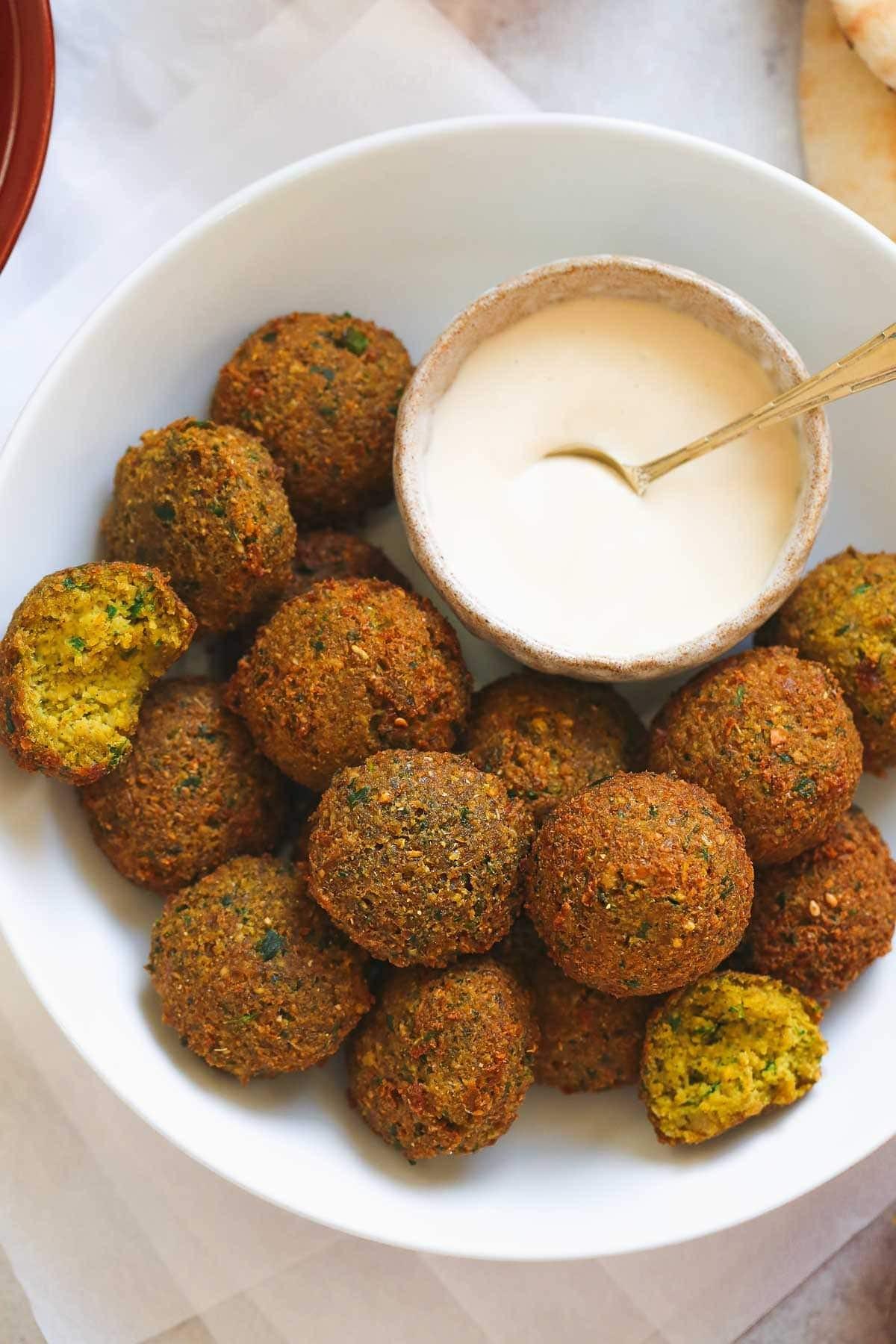 أكلات هندية نباتية - طريقة عمل كرات الحمص الهندية