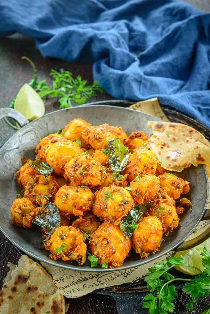 أكلات هندية نباتية - طريقة عمل صينية البطاطس الهندية