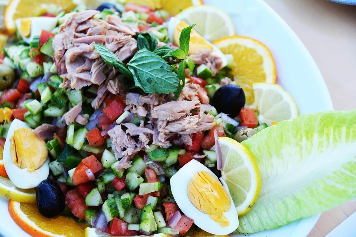 أكلات تونسية خفيفة - طريقة عمل السلطة التونسية