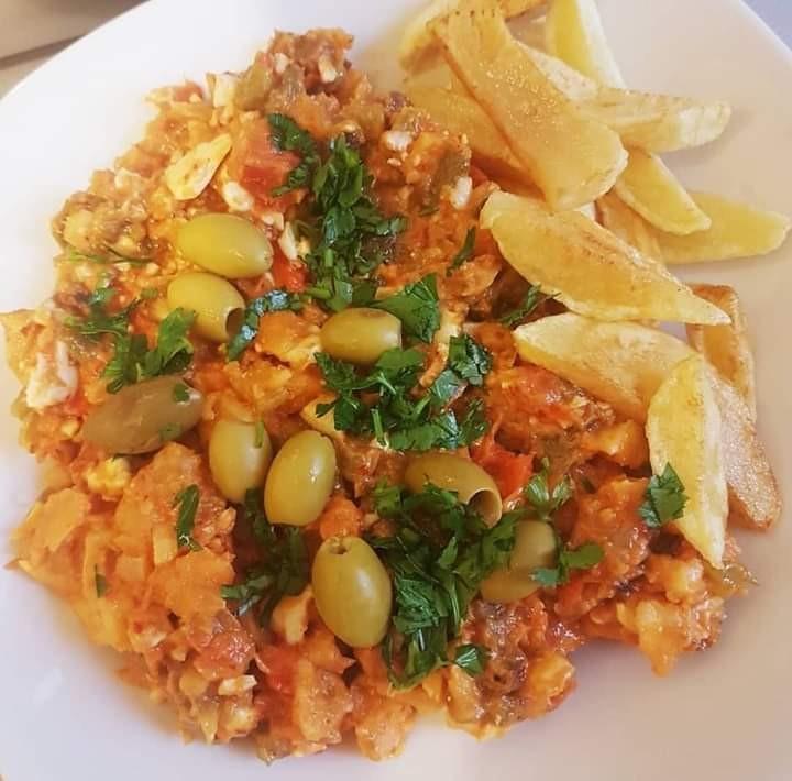 أكلات تونسية سريعة وسهلة - طريقة عمل تسطيرة تونسية