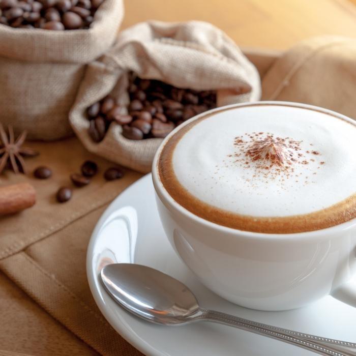 أنواع القهوة في الكافيهات - طريقة عمل الكابتشينو في المنزل