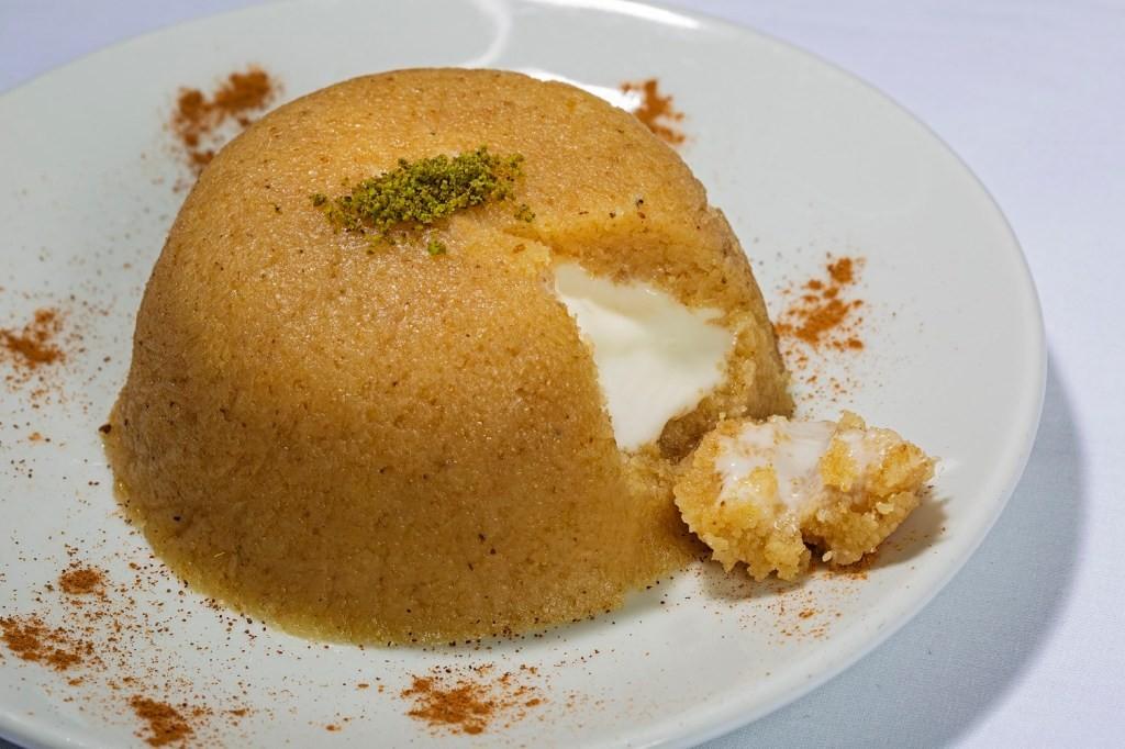 أشهر الأكلات التركية - طريقة عمل حلوى السميد التركية