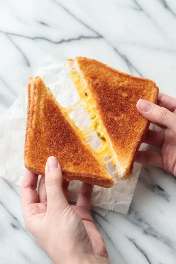 وصفات بالجبن الشيدر - طريقة عمل ساندويشات الشيدر المشوية