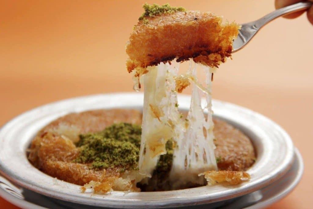طرق مختلفة لعمل الكنافة - طريقة عمل الكنافة بالجبن