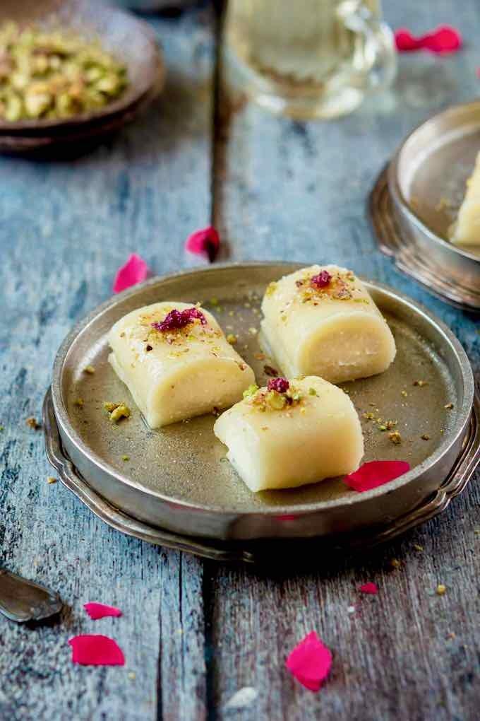 حلويات عربية - طريقة عمل حلوى الجبن السورية
