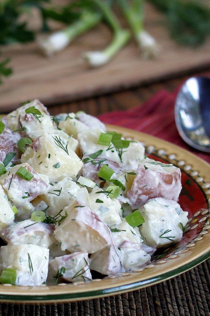 وصفات للعشاء بالبطاطس - طريقة عمل سلطة البطاطس بالزبادي
