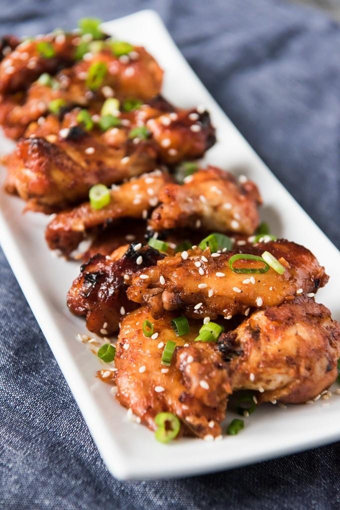 أكلات كورية سهلة التحضير - طريقة عمل أجنحة الدجاج الكورية بصوص الباربيكيو