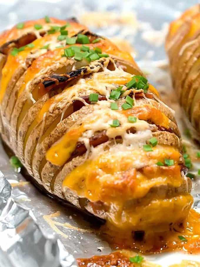 وصفات بطاطس مشوية - طريقة عمل البطاطس المشوية المحشوة بالجبن