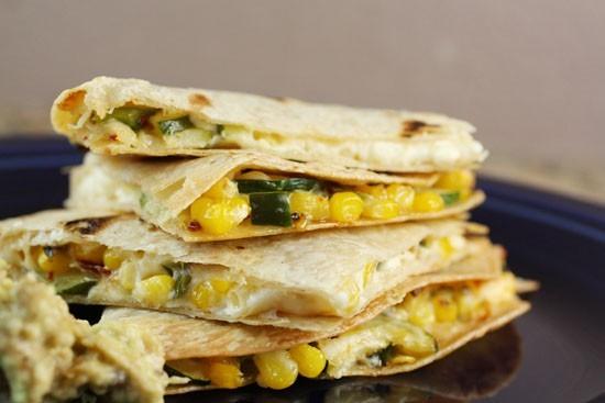 وصفات مكسيكية - طريقة عمل كاساديا الكوسة والجبن المكسيكية