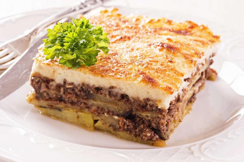 وصفات من المطبخ الأوروبي - طريقة عمل المسقعة اليونانية الموساكا
