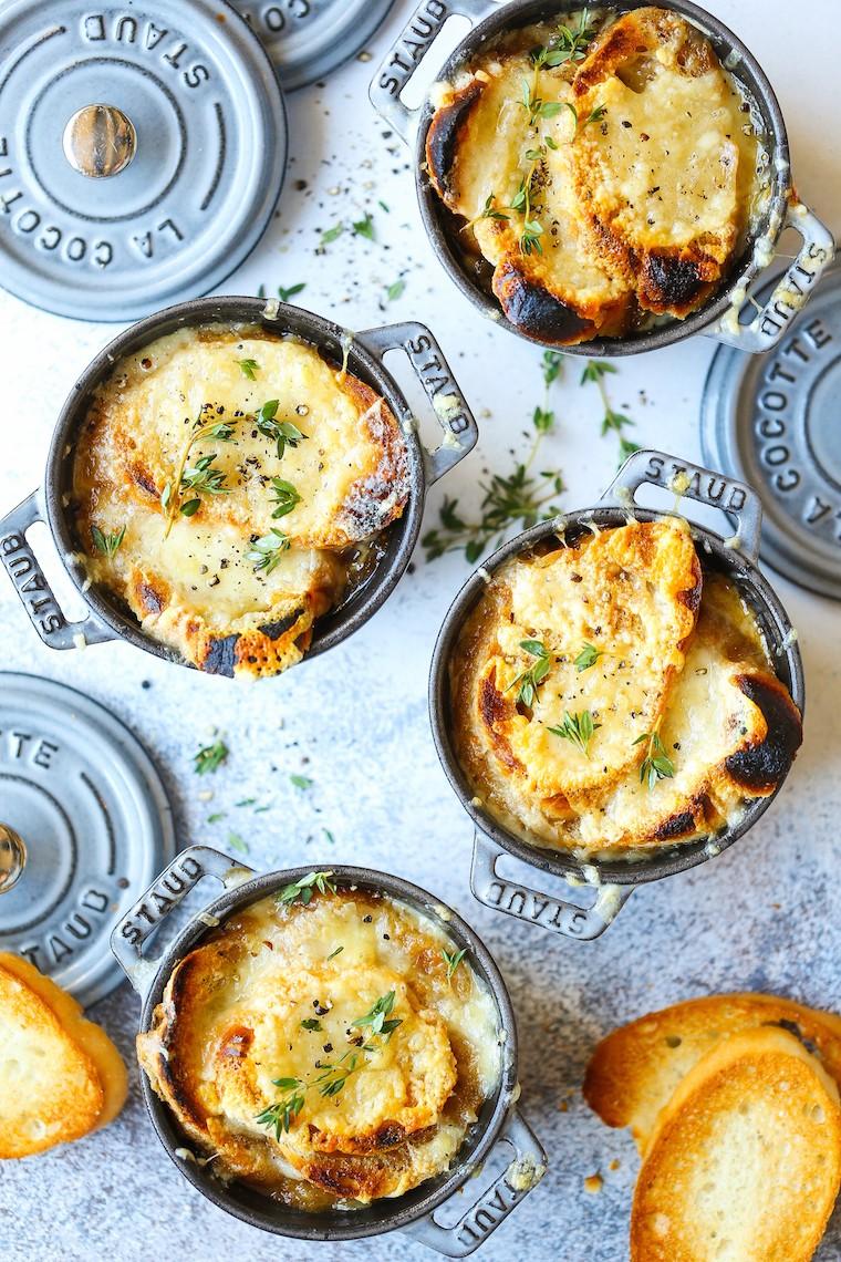 وصفات من المطبخ الأوروبي - طريقة عمل شوربة البصل الفرنسية