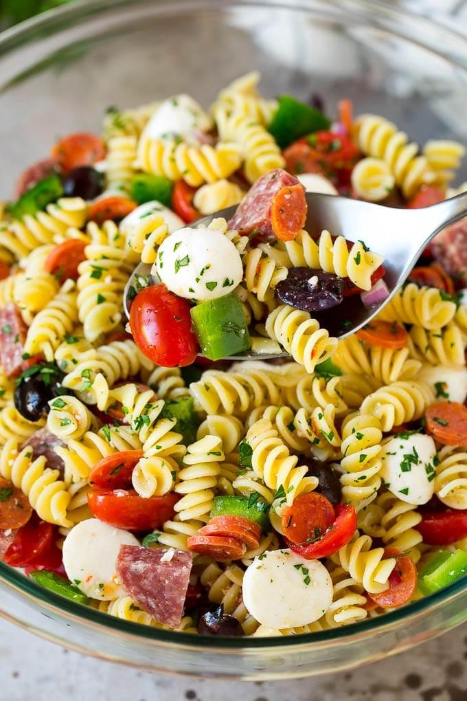 وصفات من المطبخ الأوروبي - طريقة عمل سلطة المكرونة الإيطالية