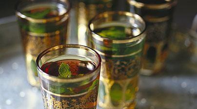 نكهات عالمية لإعداد الشاي - طريقة عمل الشاي بالنعناع على الطريقة المصرية