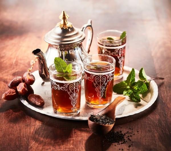 نكهات عالمية لإعداد الشاي - طريقة عمل الشاي الأخضر على الطريقة المغربية