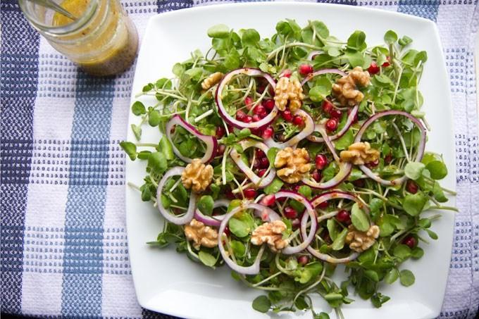 أكلات بدبس الرمان - طريقة عمل سلطة الجرجير بدبس الرمان