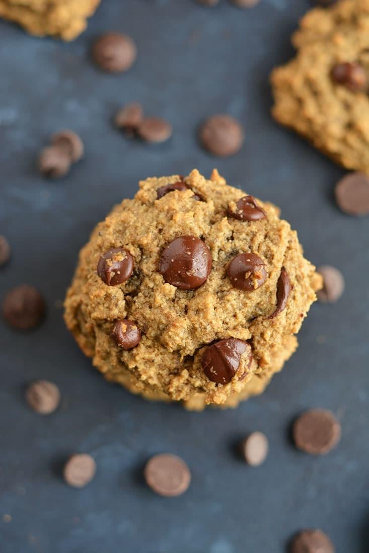 حلويات قليلة السعرات الحرارية - طريقة عمل كوكيز برقائق الشوكولاتة واللوز
