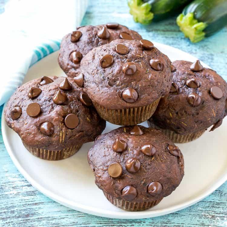 حلويات قليلة السعرات الحرارية - طريقة عمل مافن الشوكولاتة بالكوسة