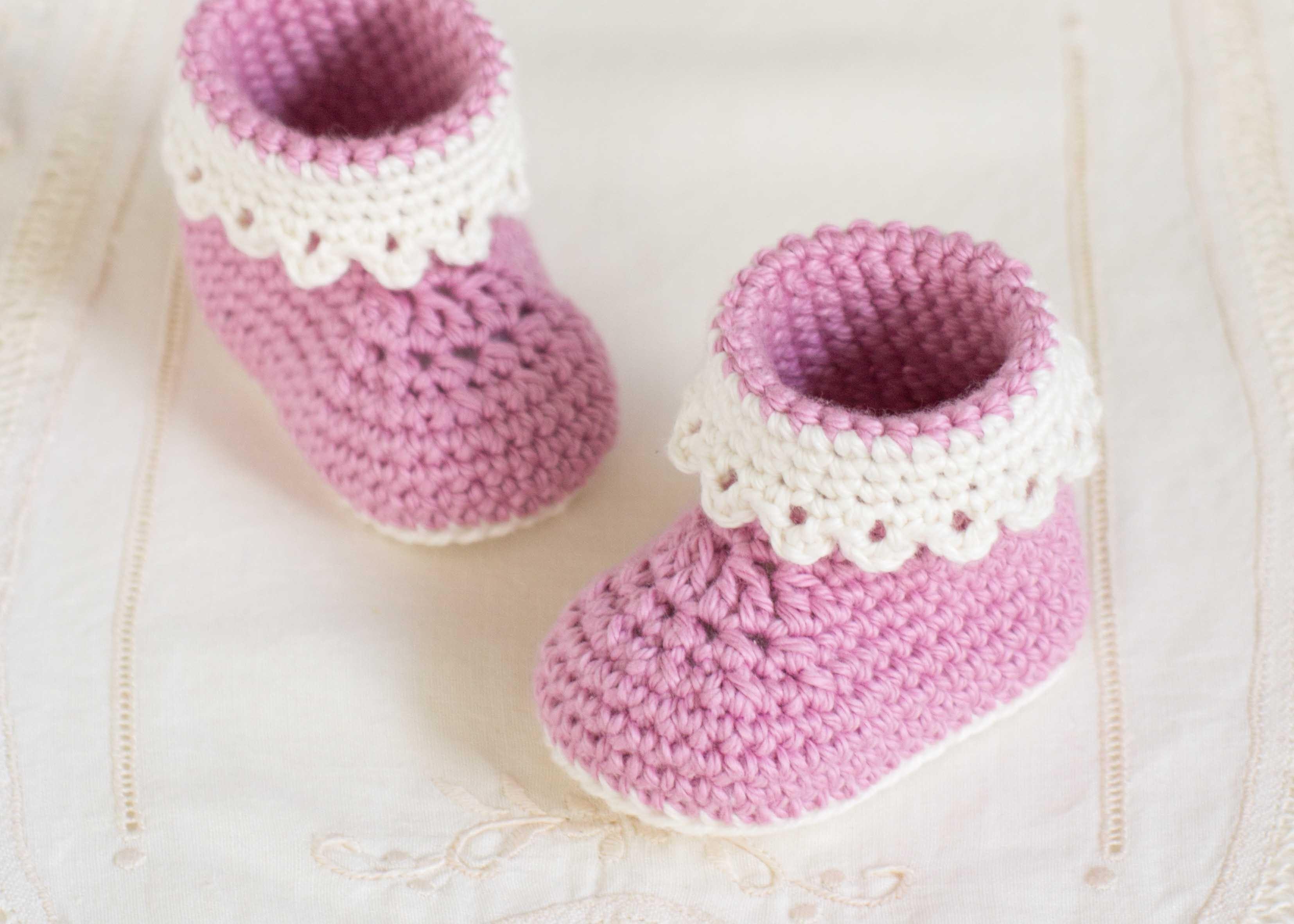 عمل أحذية أطفال بالكروشيه - أحذية كروشيه تناسب البنات - 3