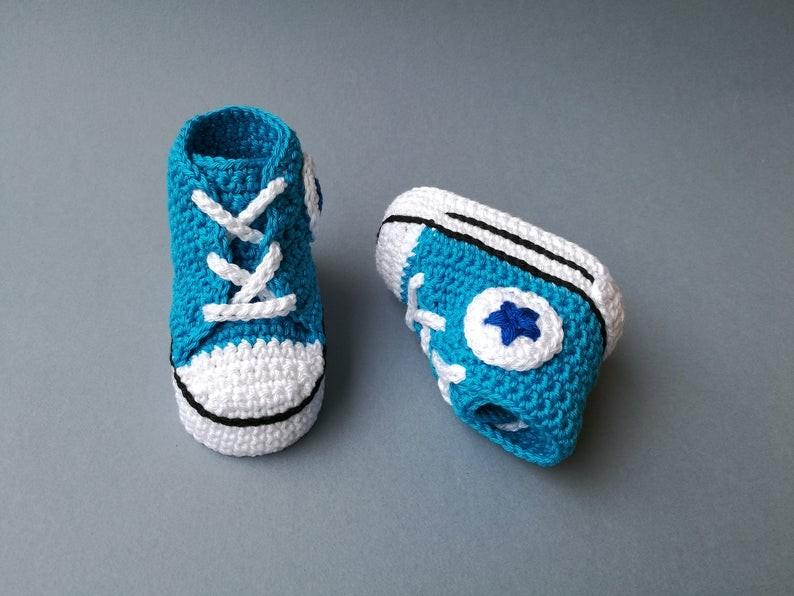 عمل أحذية أطفال بالكروشيه - أحذية كروشيه تناسب الأولاد - 1