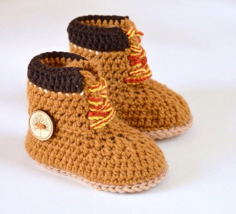 عمل أحذية أطفال بالكروشيه - أحذية كروشيه تناسب البنات - 4