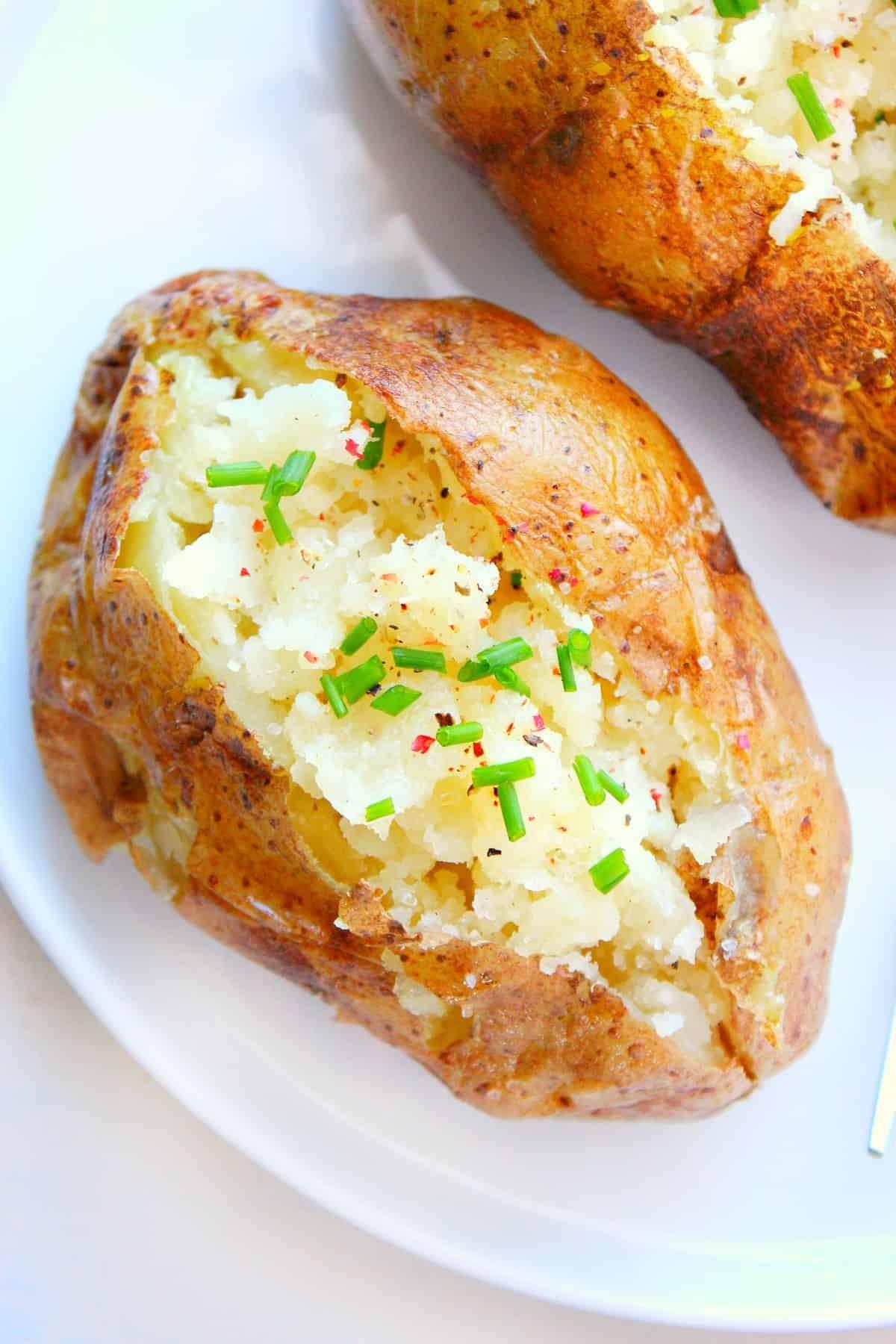 وصفات بالميكرويف - طريقة عمل البطاطس بالجبن في الميكروويف