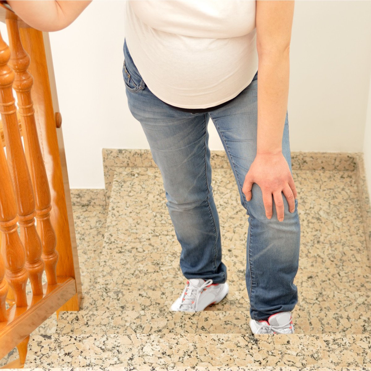 تمارين لتسهيل الولادة الطبيعية للبكر - تمرين صعود السلالم