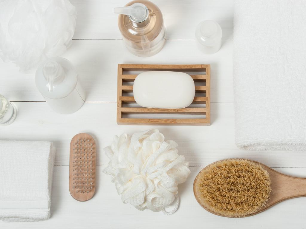 طرق تعطير الجسم - استخدام غسول للجسم ولوشن مرطب معطر