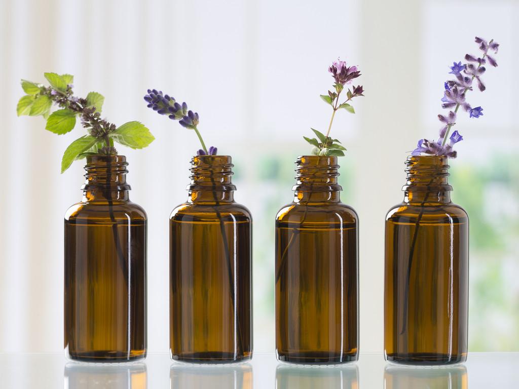طرق تعطير الجسم - استخدام المعطرات الطبيعية بدلا من العطور