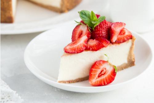 حلويات الكيتو دايت - طريقة عمل تشيز كيك الفراولة