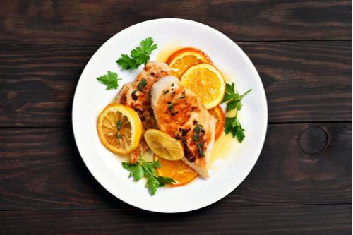طريقة عمل صدور الدجاج - طريقة عمل صدور الدجاج بصوص البرتقال