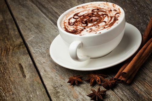 الشوكولاتة الساخنة - طريقة عمل الشوكولاتة الساخنة بالزنجبيل والقرفة