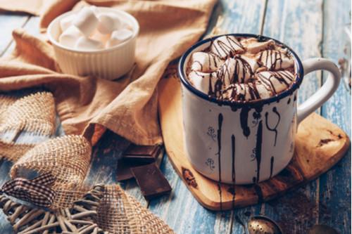 الشوكولاتة الساخنة - طريقة عمل الشوكولاتة الساخنة بالقرفة
