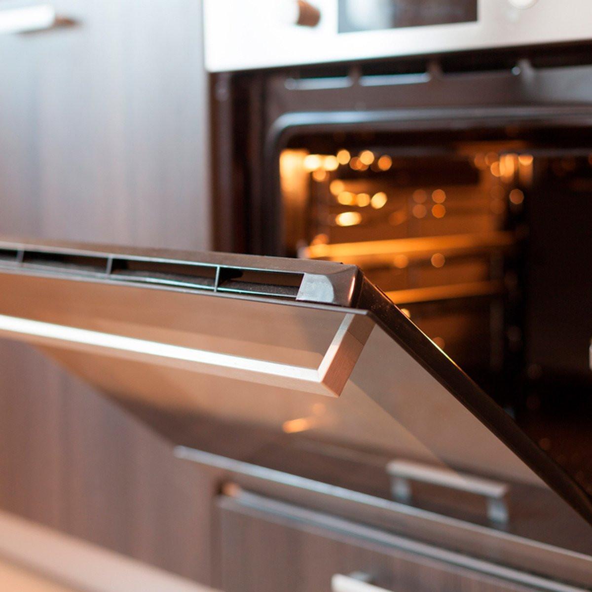 أفكار لتدفئة البيت - ترك باب الفرن مفتوحًا