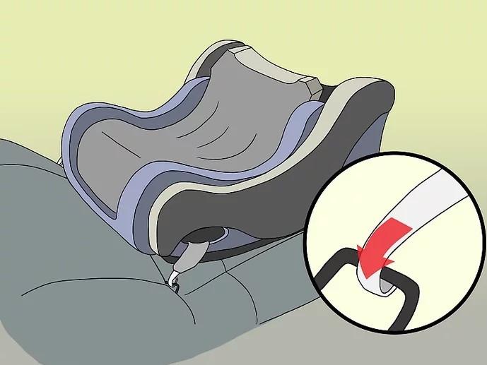 كيفية تركيب كرسي الأطفال في السيارة - ثبتي القاعدة على المقعد الخلفي للسيارة
