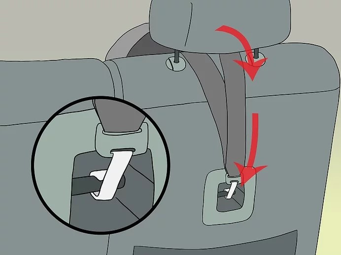 كيفية تركيب كرسي الأطفال في السيارة - ثبتي حزام الكرسي بمقعد السيارة من الخلف