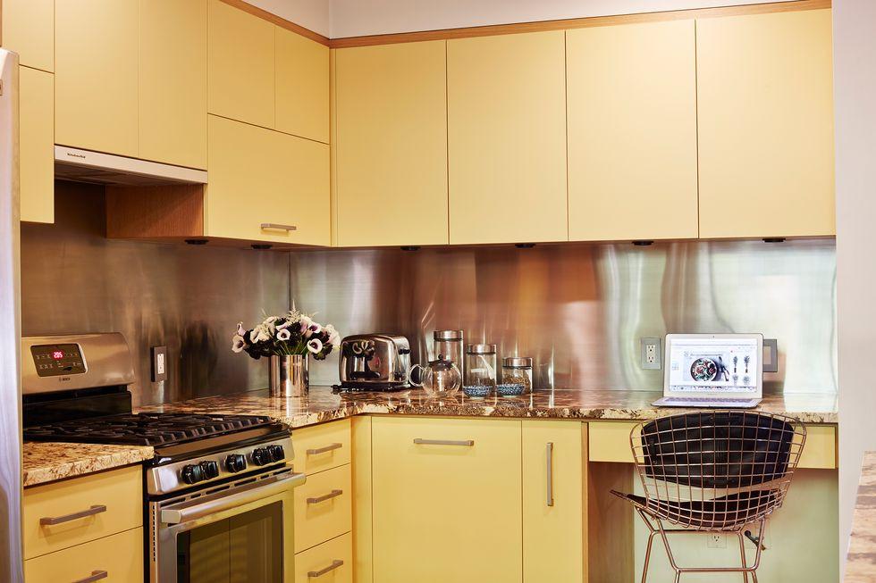 ألوان مطابخ الخشب - الأصفر الفاتح
