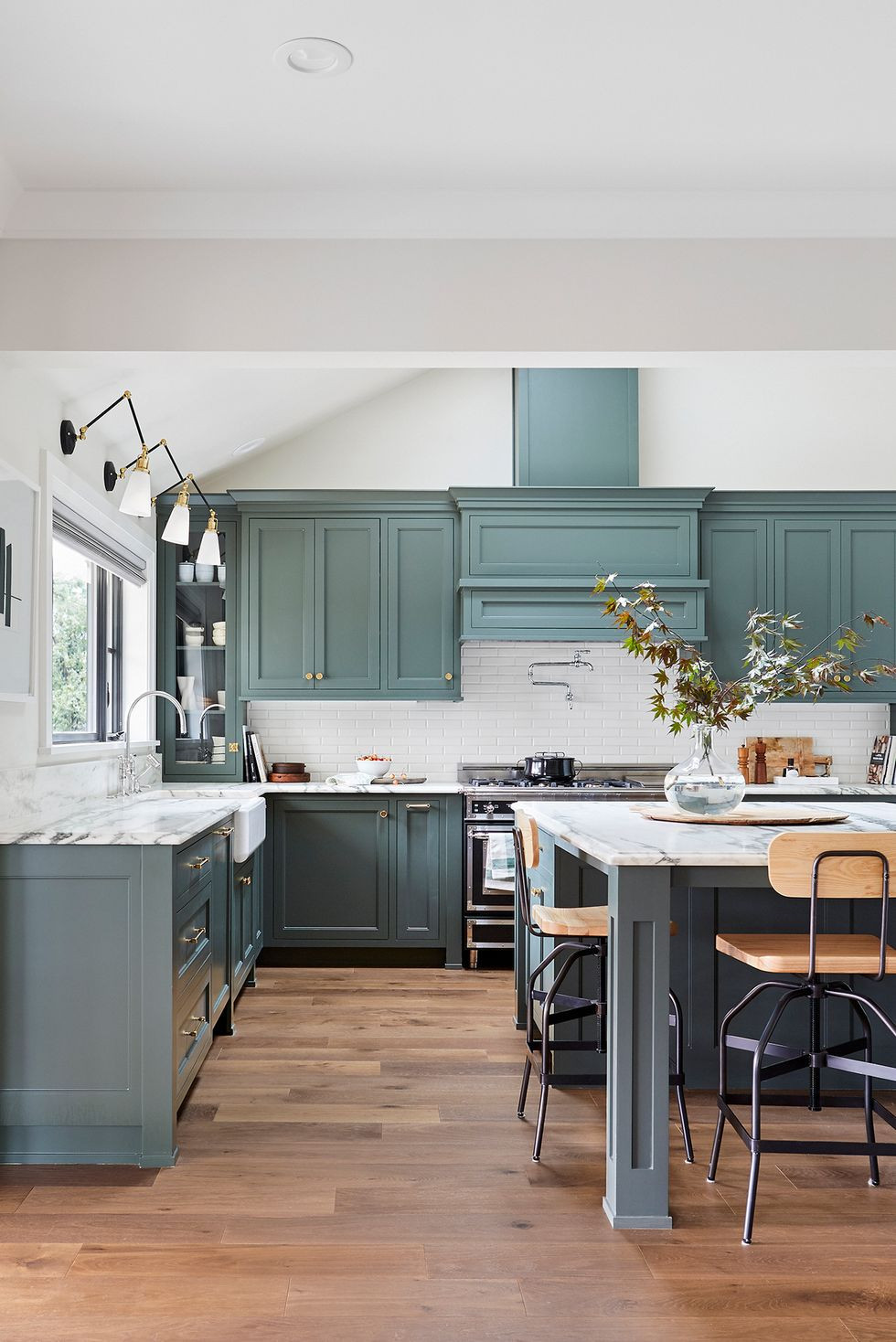 ألوان مطابخ الخشب - المطباخ الأزرق