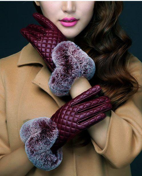 محتويات حقيبة يدك في الشتاء - قفازات شتوية