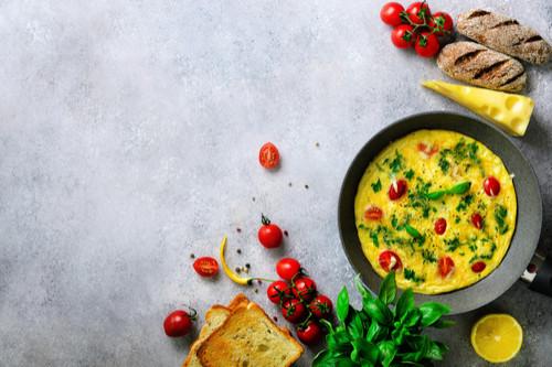 وصفات طعام للأطفال بعمر السنة - بيض أومليت بالخضروات