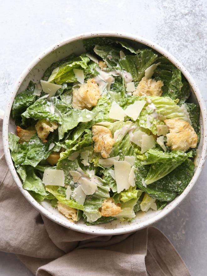 وصفات عشاء للرجيم - سلطة سيزر الدجاج